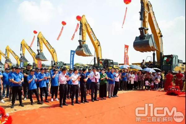 50台徐工490DK挖掘机再次入驻江西重点施工工程