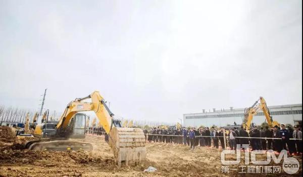 徐工挖掘机助力江西基础设施建设