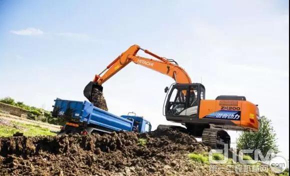 日立挖掘机维修保养