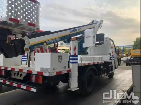 徐工17.3米蓝牌高空作业车