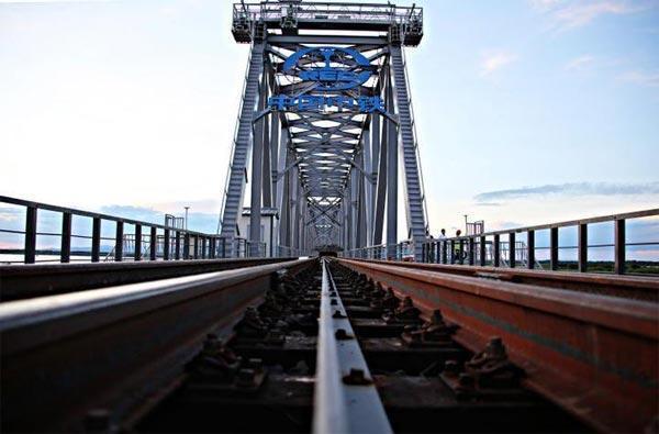 中俄首座跨江铁路桥