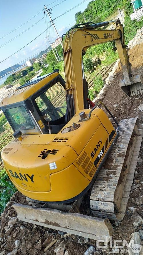 近十年的三一SY75挖掘机