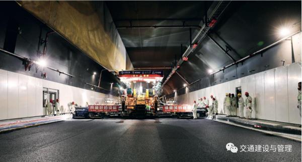 中大机械助力港珠澳大桥建设