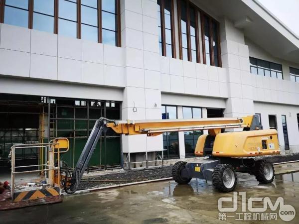 徐工直臂式高空作业平台助力贵州南站建设