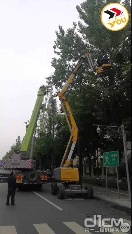 在城市绿化工作的带动下,如今利用高空作业平台修剪树枝,成为了高空作业平台最新发展起来的一个应用场景