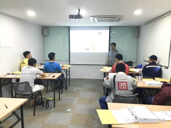 2019年3月1日至5日,宝峨中国培训中心为马来西亚卓汉公司举办的第一期个性化旋挖钻机操作培训