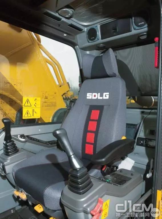 豪车级驾驶室 确保舒适与安全