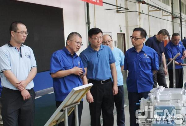 兵器工业集团民品发展部部长倪泽钧一行到北奔重汽调研