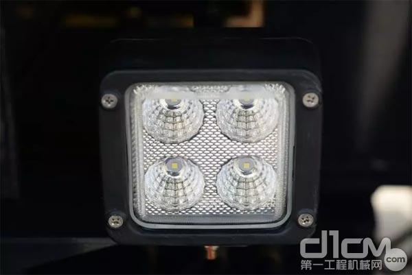 QY40KC支腿的照明灯已全部升级为LED光源