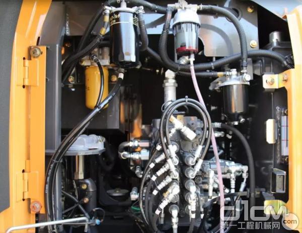 凯斯新一代PCSTM精准液压控制系统