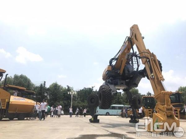 徐工ET110步履式挖掘机产品演示