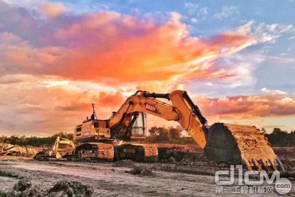 三一<a href=http://product.d1cm.com/wajueji/ target=_blank>挖掘机</a>参建印尼青山产业园