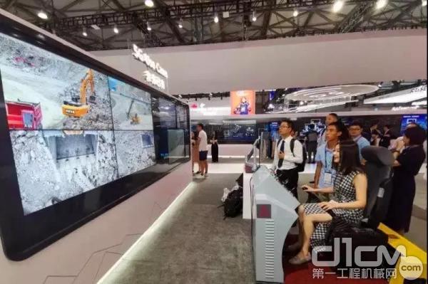 全球首台5G挖掘机在华为展台亮相