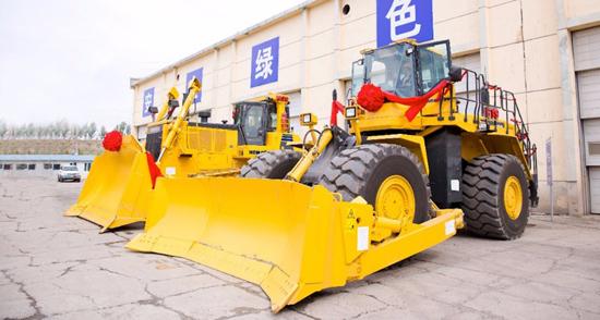 4臺小松大型推土機在內蒙古霍林河交付用戶