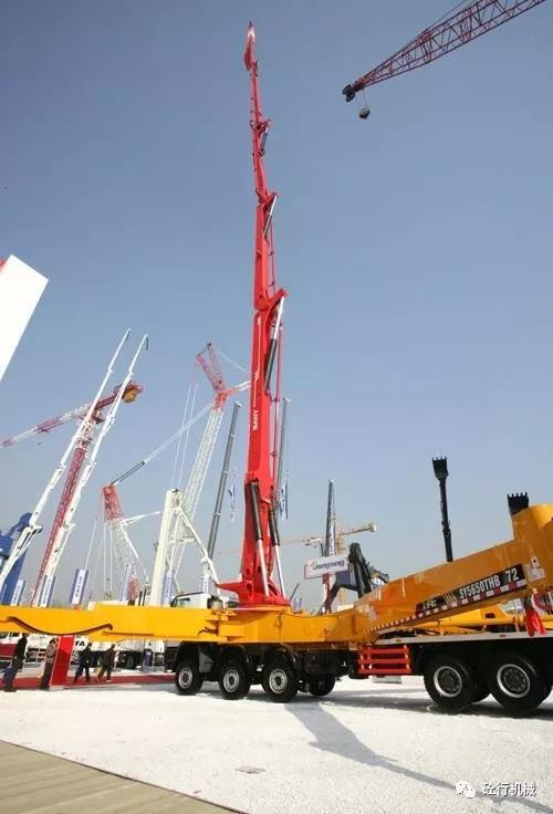 三一重工设计和生产的72米臂架泵车