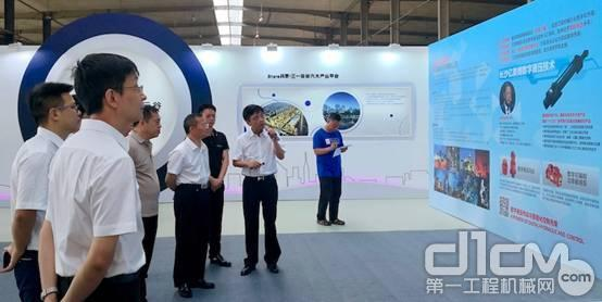 长沙市长胡忠雄调到美博智能科技有限公司调研