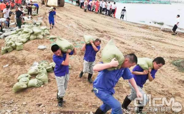 潍柴抢险救援队奋战在一线