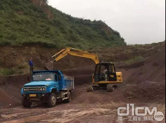 挖掘机施工作业