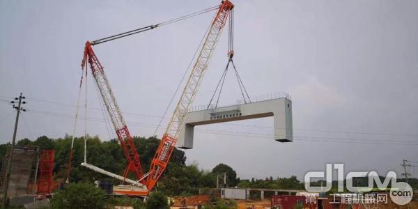 中联重科QUY500W履带式起重机吊装作业