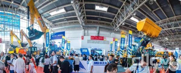 【BICES 2019】实力登场 徐工三款挖机产品闪耀北京