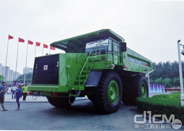 北方股份TR100矿用自卸车