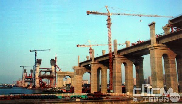 商合杭长江大桥建设