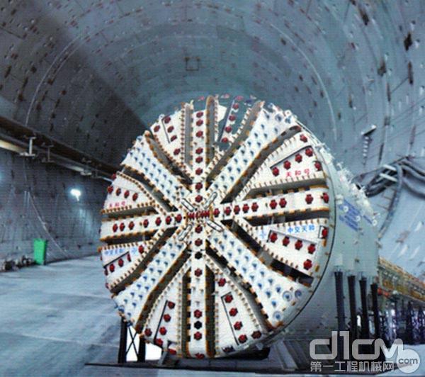南京过江隧道建设