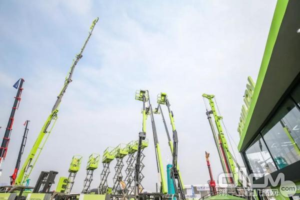 中联重科10款高空作业平台亮相2019北京展