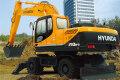 R210W-9轮式挖掘机
