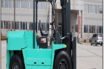 大叉CPCD80内燃平衡重叉车