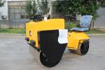 宜迅YX70C座驾式双钢轮压路机