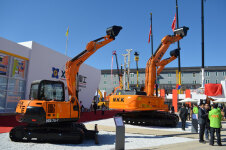 NS75-7履带挖掘机