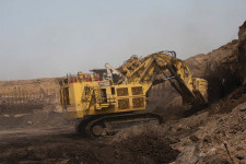卡特彼勒6090 FS矿用液压挖掘机 整机视图12310