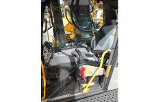 沃尔沃EC380EL履带挖掘机局部细节全部图片