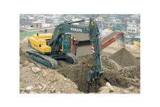 沃尔沃EC210B履带式挖掘机整机视图全部图片