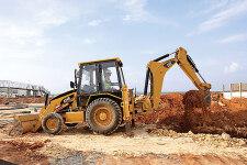 卡特彼勒424B侧移挖掘装载机施工现场27225
