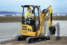 卡特彼勒301.7D CR小型挖掘机施工现场全部图片