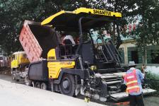 SRP60T多功能轮胎摊铺机