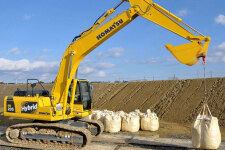 小松HB205-1M0混合动力挖掘机施工现场全部图片