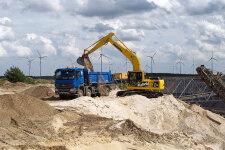 小松HB215LC-1M0混合动力挖掘机施工现场全部图片