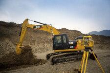 卡特彼勒326D2L履带挖掘机施工现场全部图片