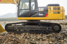 卡特彼勒326D2L履带挖掘机局部细节全部图片