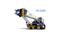 TR-250E型越野轮胎起重机