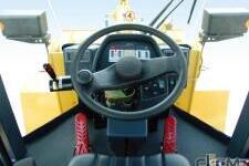柳工CLG835-3t轮式装载机局部细节全部图片