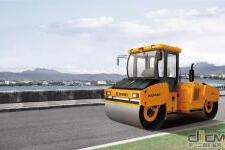 KD135全液压双钢轮振动压路机