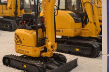 ZE15E履带式挖掘机