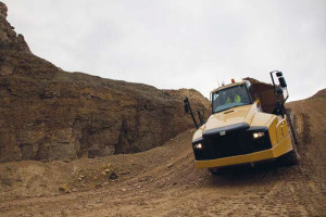 卡特彼勒铰接式卡车图片集3
