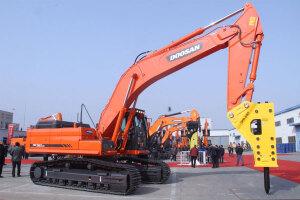 斗山DX380LC履带挖掘机
