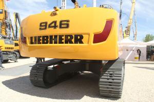 利勃海尔R946履带挖掘机图片集