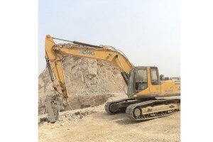 XE265C挖掘机图片
